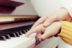 上海钢琴厂家提醒您孩子学钢琴时,家长应该注意什么?